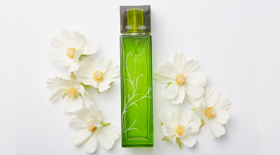 Ditch Artificial Fragrances for Natural Ones