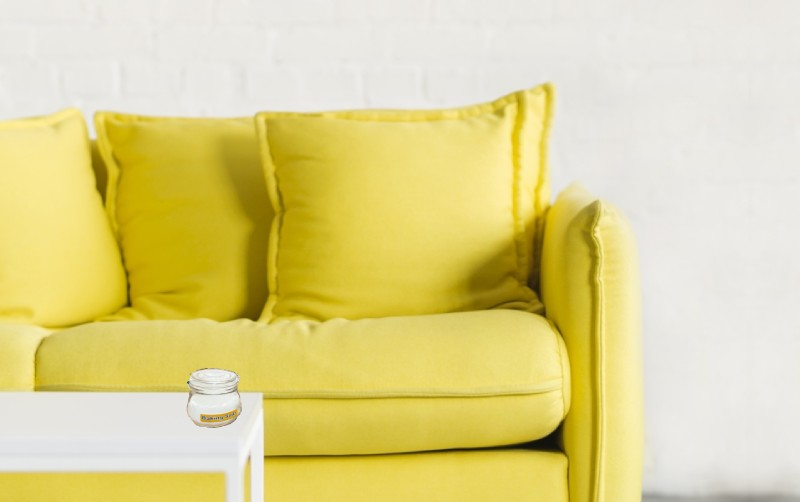 couch using baking soda