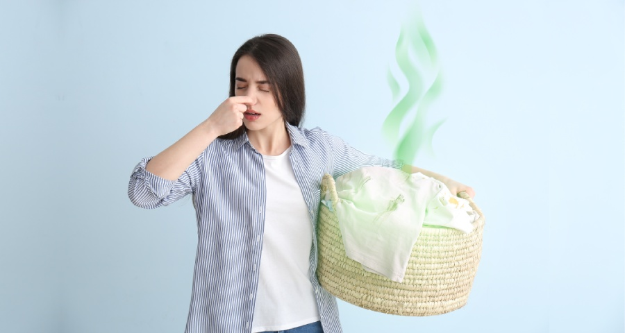 12 Simple Ways to Get Musty Smell Out of Clothes