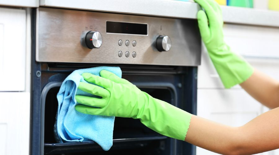 How To Clean An Oven Quickly & Easily